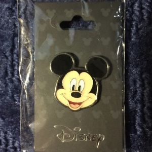 Disney Mickey Mouse Face Pin